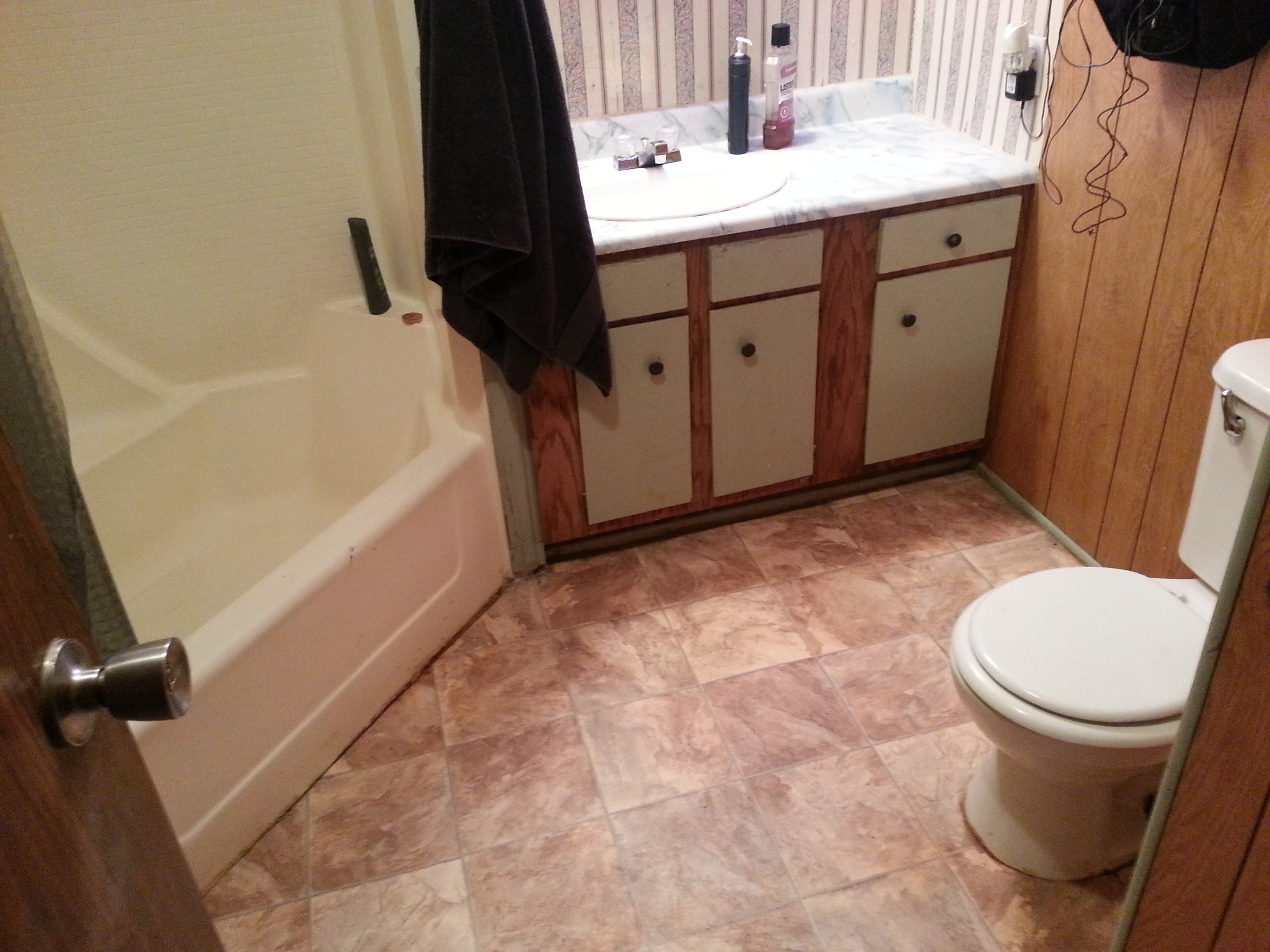 1st North S. 3 Bed Moble Home Bathroom